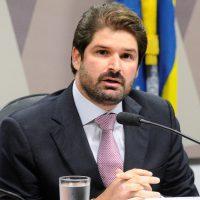 Henrique Ávila; ?>